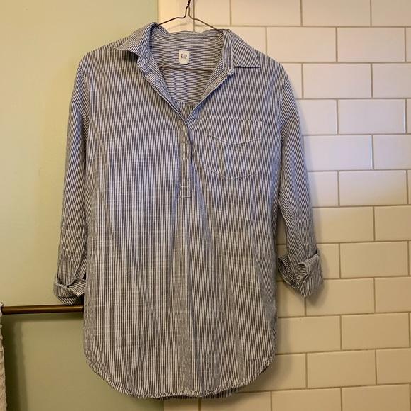 GAP Tops - Gap blue/white striped shirt